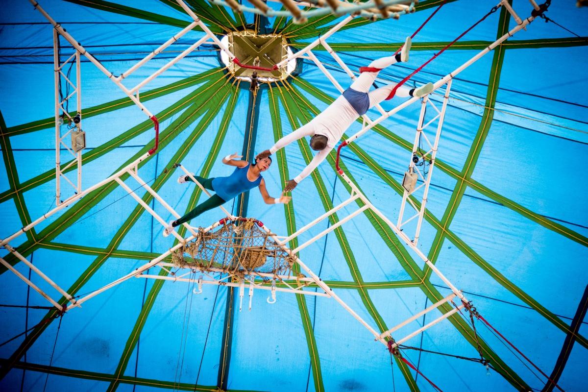 #india, #circus, #behindthescenes, #art, #artistes, #dying, #people, #culture, #delhi,