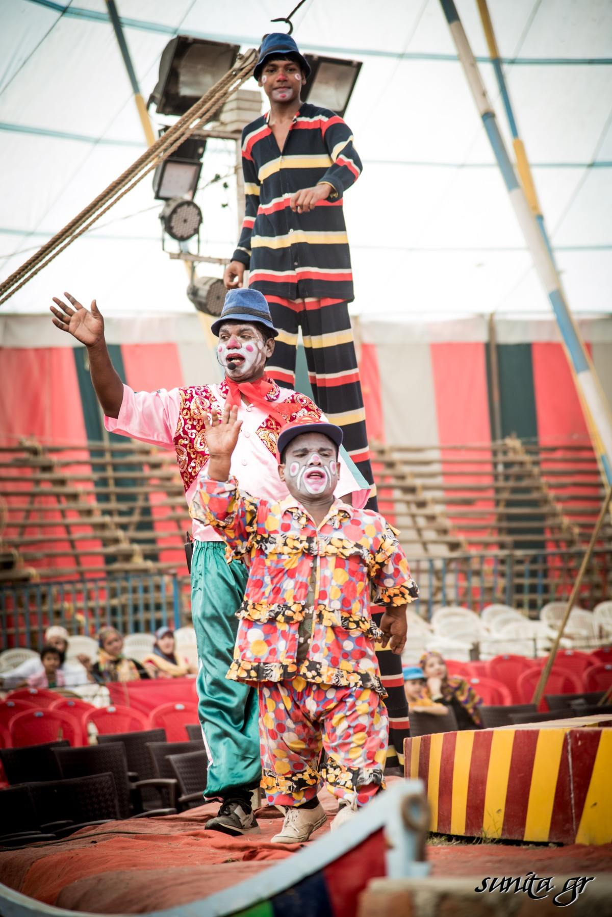 #india, #circus, #behindthescenes, #art, #artistes, #dying, #people, #culture, #delhi,